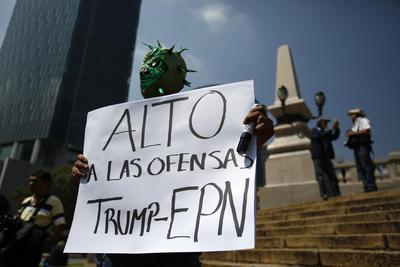 Aunque es un grupo reducido, la Policía capitalina indicó que las alternativas viales son Insurgentes, Chapultpec, Circuito Interior, Lieja, James Sullivan y Antonio Caso.
