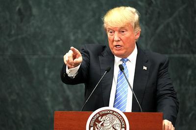 """Al hablar de la inmigración, Trump calificó la situación fronteriza como un """"desastre humanitario"""", ante los cárteles de la droga y los peligros que representan."""