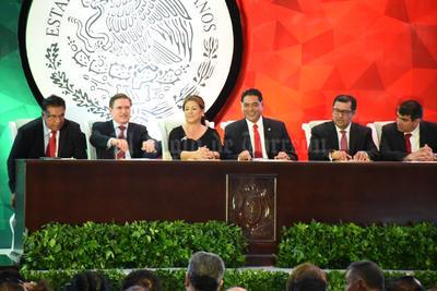 El centro de convenciones de Gómez Palacio fue el lugar de la ceremonia.