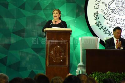 Leticia Herrera Ale tomó protesta esta noche como presidenta municipal de Gómez Palacio.