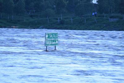 Debido a la capacidad reportada en la presa Francisco Zarco, las autoridades decidieron aumentar el desfogue de agua al río Nazas.
