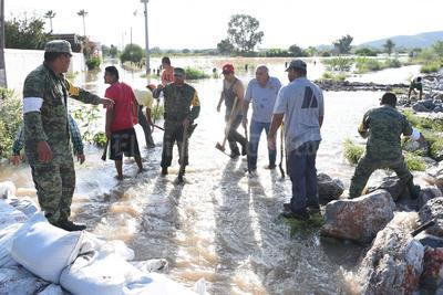 El Ejército ha apoyado las labores para proteger a la población.