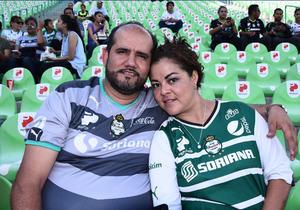 03092016 Mauro Valenzuela y Claudia Quezada.