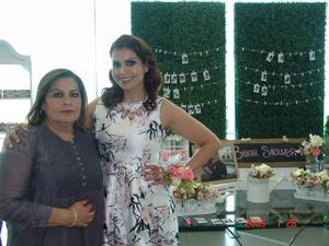 03092016 EN FAMILIA.  Leticia, Karla Leticia y Jessica.