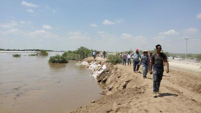 En el ejido Jaboncillo de Francisco I. Madero también se registró un desborde del río.