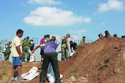 En varios ejidos de Matamoros la ayuda del Ejército fue fundamental para evitar una contingencia mayor.