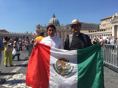 México se hizo presente en la misa de canonización.