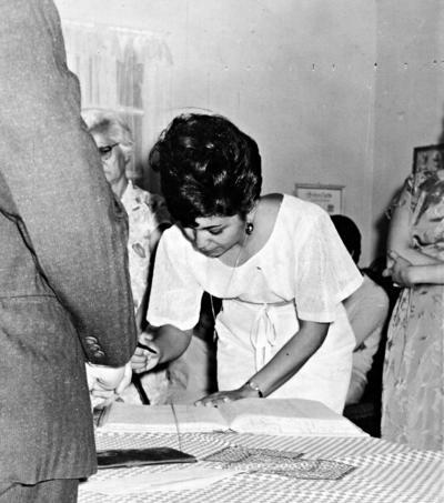 04092016 Boda civil de Ernestina Muñiz en 1967.