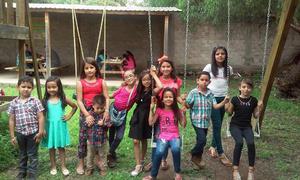 05092016 CUMPLE 9 AñOS.  Alessandra Giacomán Valles acompañada de sus amigos y primos.