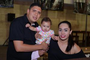 09092016 Víctor, Victoria y Blanca.