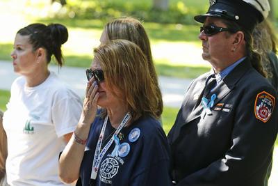 Como en años anteriores, miembros de las familias de las víctimas leyeron los nombres de las dos mil 753 personas que murieron.