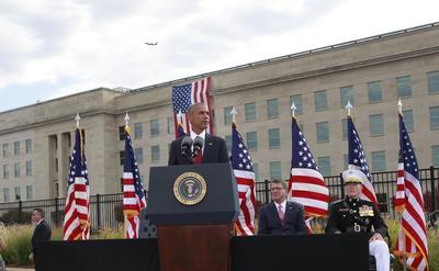 El presidente Barack Obama rindió homenaje a las casi 3 mil almas que se perdieron en los ataques terroristas del 11 de septiembre de 2001.