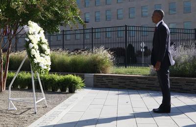 El presidente estadunidense Barack Obama encabezó una de las ceremonias, en el 15 aniversario de los ataques que dejaron unos dos mil 977 muertos.