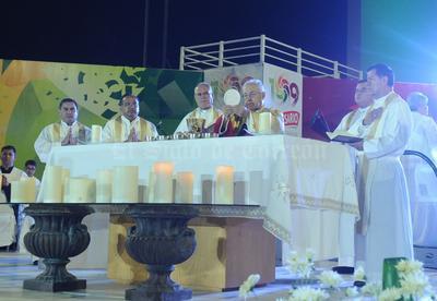 """De sus 22 años de vida episcopal, el obispo ha """"regalado"""" al pueblo lagunero 16 años."""