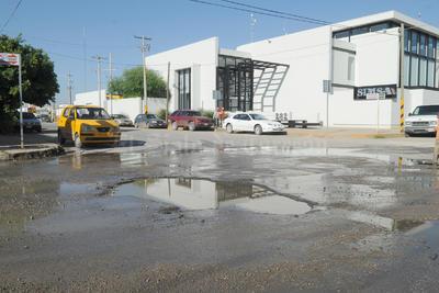 Graves. Empresarios de la Ciudad Industrial de Torreón se quejaron del estado en que quedaron las calles como la Brittingham y Luis F. García.