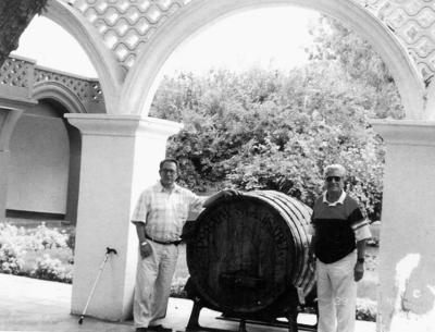 11092016 Juan Yañez (f) y Sr. Alfredo Medrano en Parras de la Fuente, Coahuila.