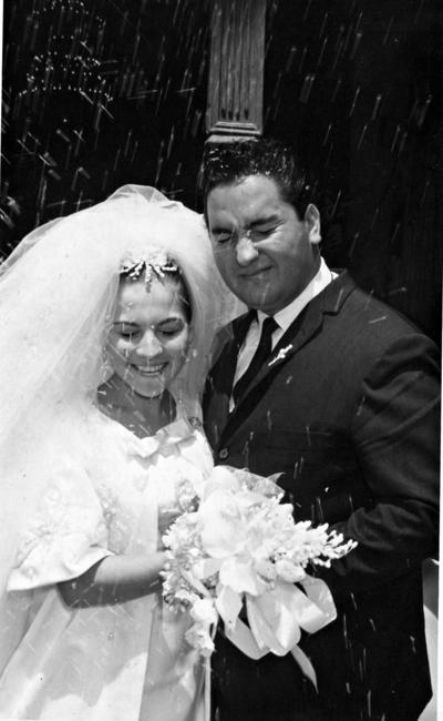 11092016 Srita. Martha Margarita Arzola González y Dr. José Mauro Aguado González el 10 de Septiembre de 1966.