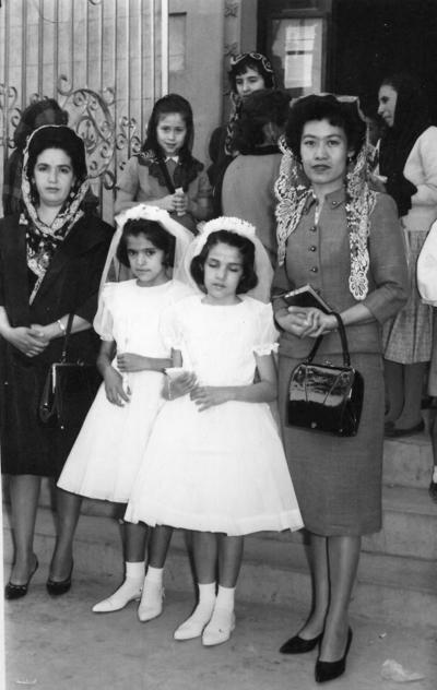 11092016 En una Primera Comunión, a la que asistieron Aurora Ramírez y su tía, Emma Wong, en 1960.