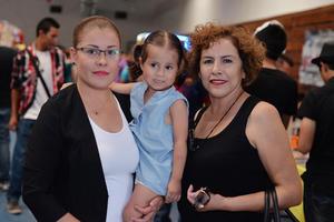 13092016 EN FAMILIA.  Yadira, Ximena y Mary.