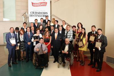 El evento se desarrolló en el Salón de los Metales del Museo Arocena, donde los reconocidos fueron acompañados por sus familiares y amigos.