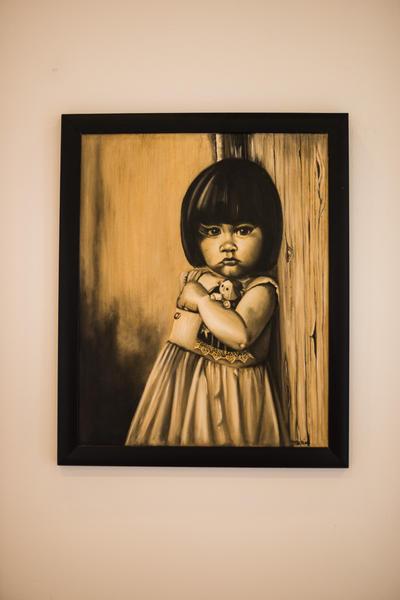 """CHICAGO (IL, EEUU).- Imagen de una obra de la artista Margarita Isabelo en la galería hispana Open Center for the Arts, de Chicago (IL), que inaugura hoy la exposición """"Mexicayotl"""", que incluye 33 piezas realizadas por 28 artistas miembros de la Asociación Plástica de Monterrey, en México. La directora de eventos de la galería, Alma Domínguez, explicó a Efe que """"'mexicayotl' es una palabra de la lengua náhuatl que significa mexicanidad y las obras de la muestra son """"la interpretación de estos artistas de lo que es la mexicanidad para ellos"""". No en vano, la inauguración de la exhibición en esta galería, situada en la comunidad hispana de Marshall Square, coincide con los festejos patrios de los mexicanos en Chicago. EFE"""