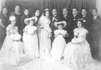 18092016 Boda de Sr. Lauro Martínez (f) y Srita. Ana Velázquez (f) el 5 de noviembre de 1950 en la Iglesia de Guadalupe de Gómez Palacio, Durango.