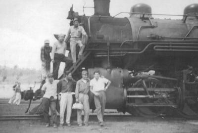 18092016 Foto tomada el 22 de mayo de 1960 en Jalapa, Veracruz, donde aparecen: Miguel García, Armando Olivo y Manuel Saucedo, ferrocarileros jubilados de Ferrocarriles Nacionales de México.