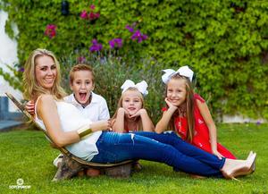 18092016 Claudia Cano Salvio con sus hijos: Pato, Eva y María, quien juega golf y recientemente participó en el US World Kids de Golf en Carolina del Norte. - Erick Sotomayor Fotografía