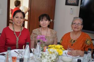 Gloria, Mayela y Alma Rosa