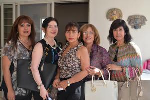 Tita, Alicia, Martha, Rosy y Olivia