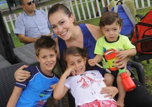 Karen, Abraham, Simón y Karen