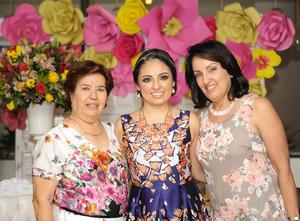 Gaby con Gaby Zorrilla y Juanita de la Torre