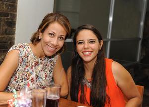 Lucía y Adela
