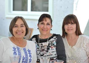 Claudia, Pita y Tita