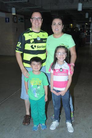 21092016 Familia de la Cruz Torres.