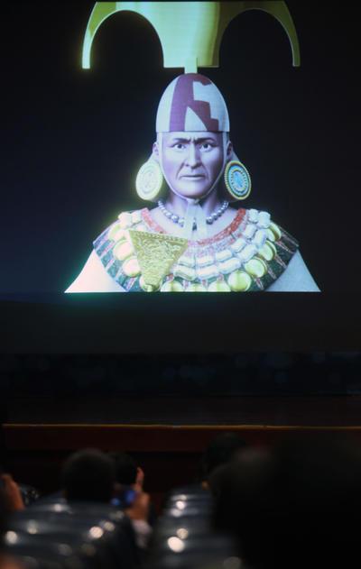 LIMA (PERÚ).- Fotografía de la recreación del rostro del Señor de Sipán, presentado en Lima (Perú). El Señor de Sipán fue el primer gran gobernante que se conoce hasta ahora del antiguo Perú, soberano de la cultura prehispánica Mochica. EFE