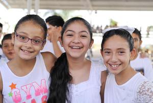 22092016 Valeria, Andrea y Sara.