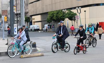 Políticos mexicanos se sumaron al Día Mundial Sin Auto.