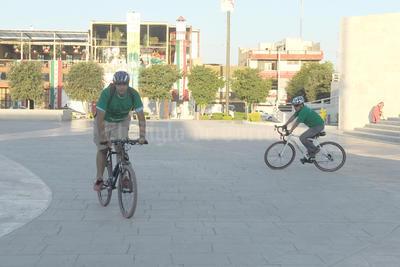 En este desafío, participaron miembros del colectivo y de la ciudadanía en general quienes se trasladaron a bordo de bicicletas, de taxis y de automóviles.