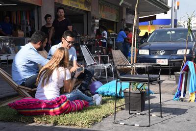 Laguneros se sumaron a la celebración del Parking day en Torreón.