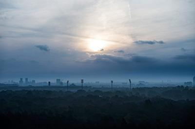 Berlín (Alemania).- Una vista general sobre Berlín durante el amanecer en Berlín, Alemania. EFE