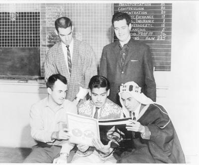 25092016 Raúl Vazquez con sus compañeros en el Cotton School Class en 1961 en Memphis, Tennessee.