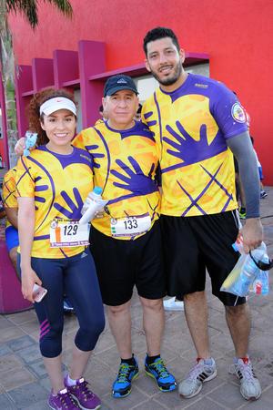 26092016 EN FAMILIA.  Fernanda, Ricardo y Manuel.
