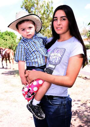 30092016 Alfonso Cabello y Alondra Estrella.