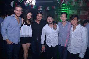 César, Narda, Hectorín, Humberto, Luis y Ricardo