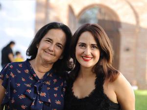 Lourdes con su hija, Daniela