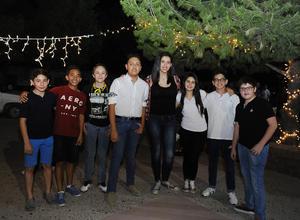 Diego, Emiliano, Axel, Jorge, Ximena, Angie, Víctor y Diego