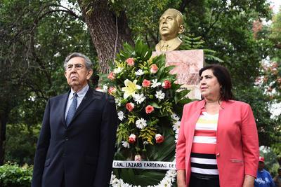 Cuauhtémoc Cárdenas realizó una visita a La Laguna.