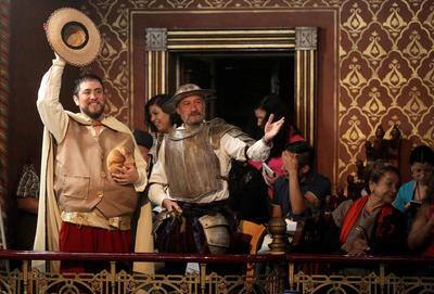 GUANAJUATO (MÉXICO).-Representación del Quijote de la Mancha y su escudero Sancho Panza, durnate la inauguración de la XLIV Festival Internacional Cervantino, que contará con 700 actividades a cargo de 3500 artistas provenientes de 38 países reunidos en Guanajuato. (México). EFE
