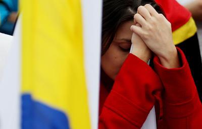 Colombianos reaccionan con frustración al 'No'.